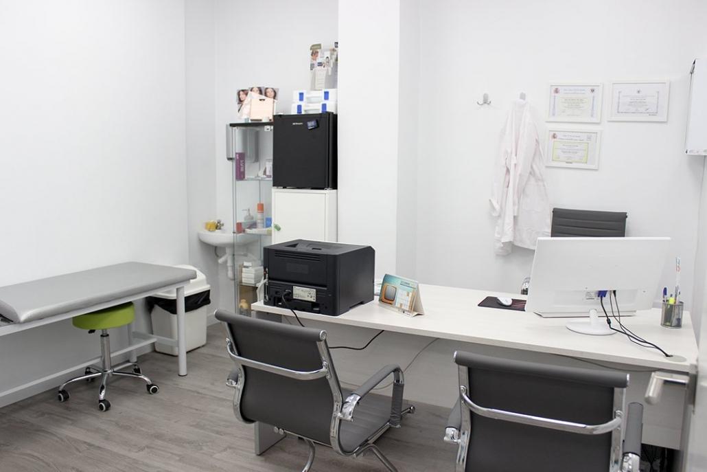 interior del centro de fisioterapia y estética de Granada Trauma Granada