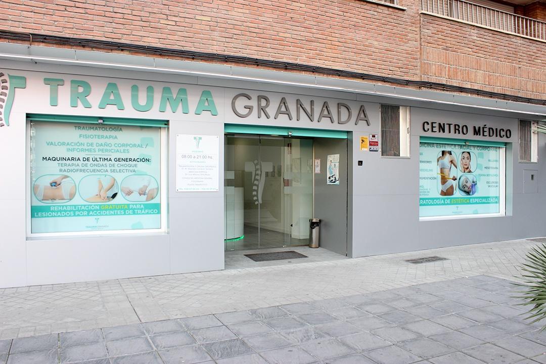 exterior del centro médico de Granada Trauma Granada