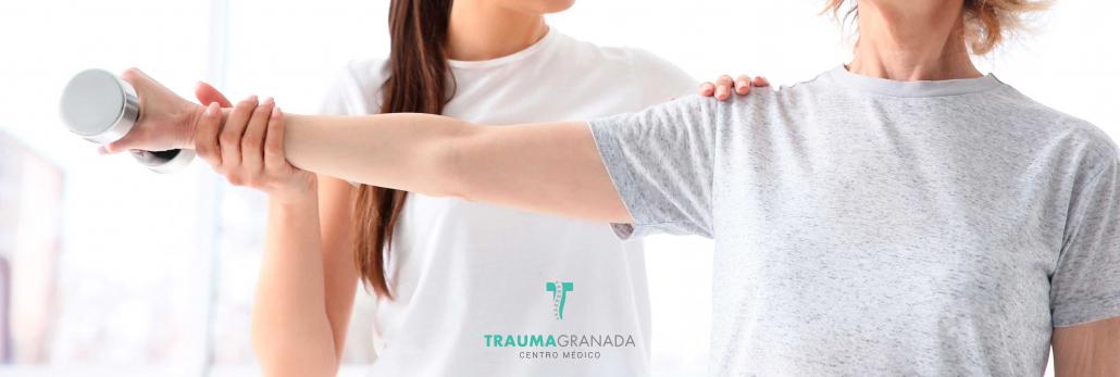 ejercicio de fisioterapia en Trauma Granada